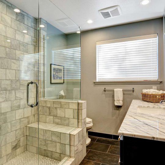 https://americanexpress-construction.com/wp-content/uploads/2015/05/bathroomremodel1-540x540.jpg