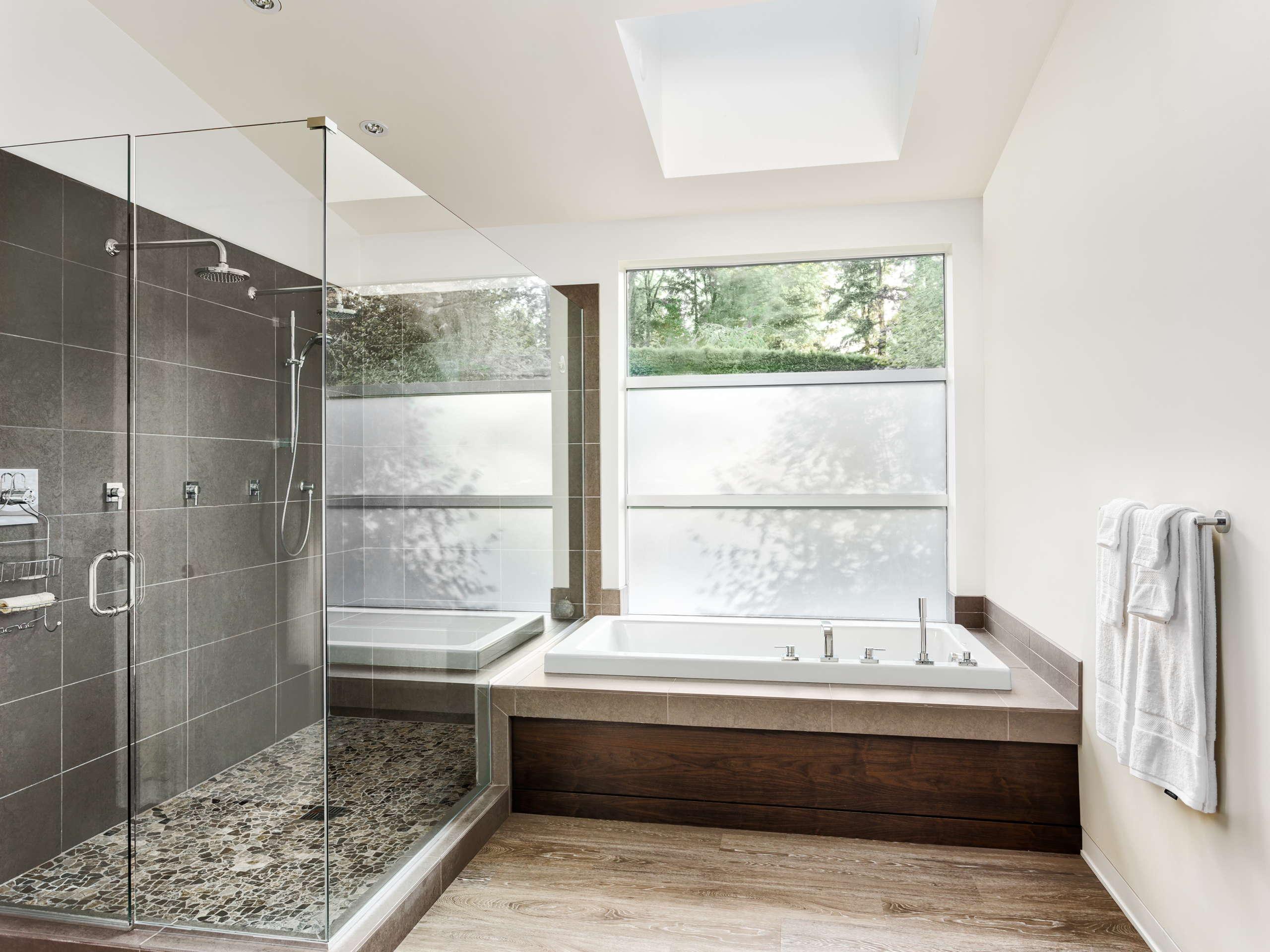 https://americanexpress-construction.com/wp-content/uploads/2015/05/bathroomremodel2.jpg